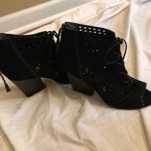 Ivanka Trump black shoes